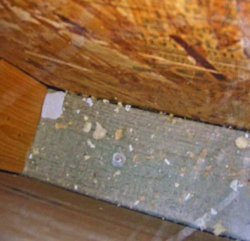 Rutherford Custom Homes missing wall insulation